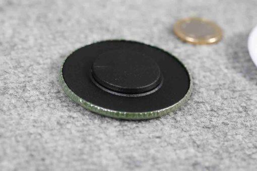 chapas-personalizadas-baratas-59mm-iman-ropa-simple-detalle